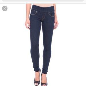 NWOT Lola dark blue wash skinny jeans